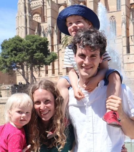 Foto Laura Bappert mit Familie