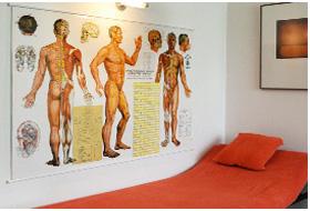 Liege für die Akupunktur